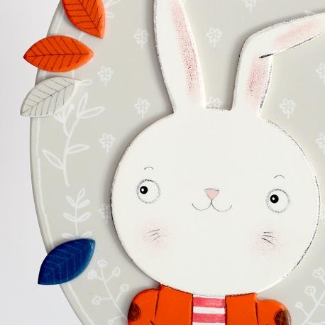Nyúl fiú narancs kabátban dekoráció/üdvözlő tábla